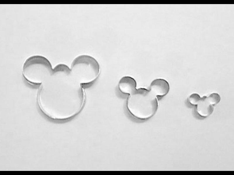 Mickey x 3